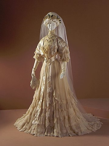 Regency wedding dresses and later developments in bridal for 19th century wedding dresses