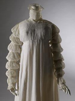 Detail, cotton muslin dress, 1815