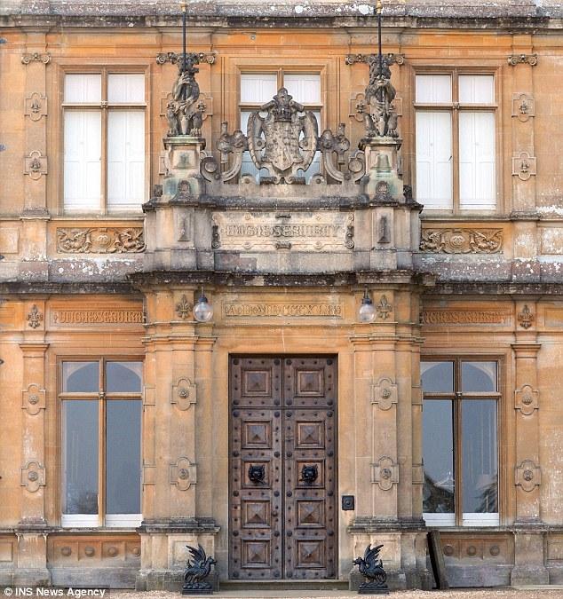 The front door & Highclere Castle Floor Plan: The Real Downton Abbey | Jane Austenu0027s ...