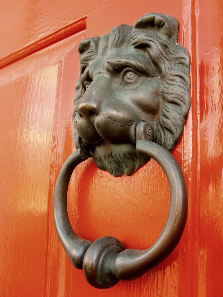 J. L. Settle door knocker ... - Lion Door Knockers In Georgian Britain Jane Austen's World