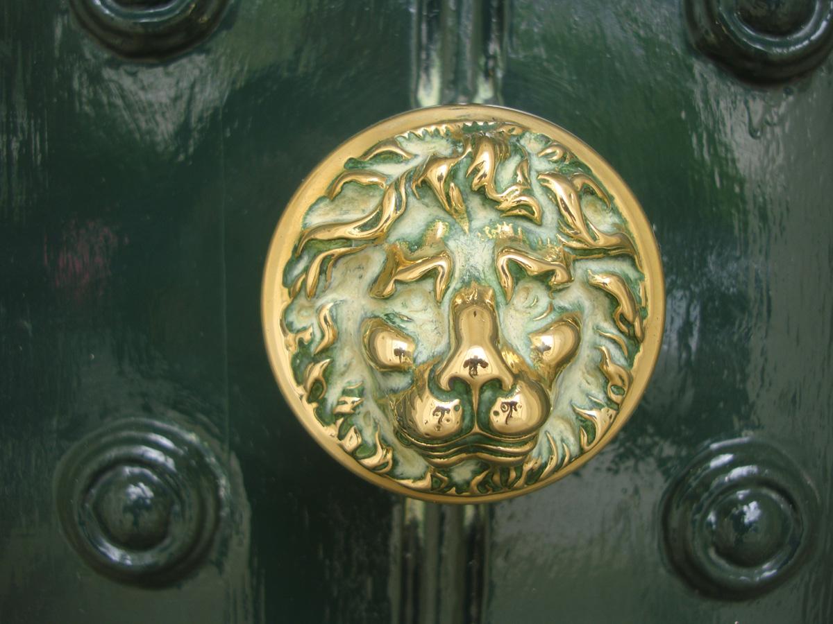 Lion motifs and symbols jane austen 39 s world - Lion face door knocker ...