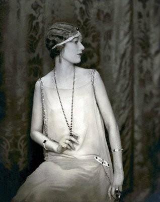 1920 head piece