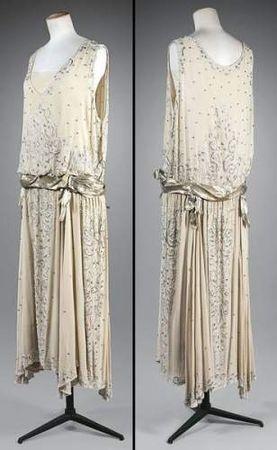 1920s Formal Wear Women Evening dress in crepe