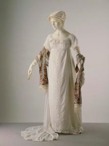 1805-1810 French evening dress, V&A museum