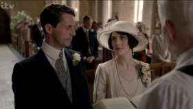 1447067371-tv-downton-abbey-season-6-finale-01