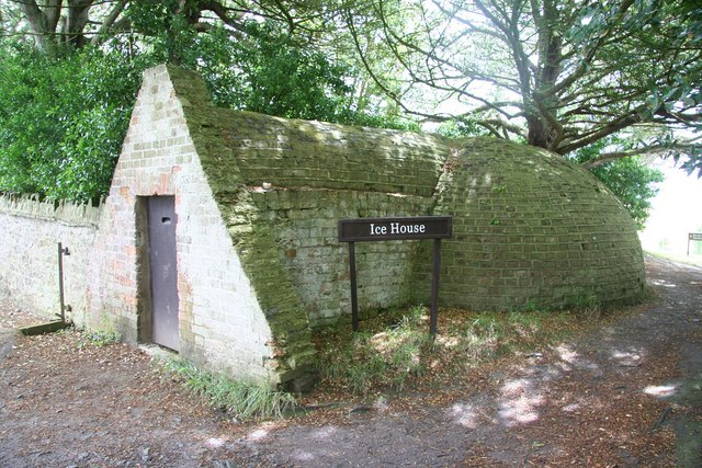 Ice_House_-_geograph.org.uk_-_878045