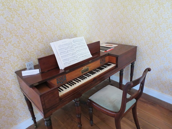 Image 9 Piano