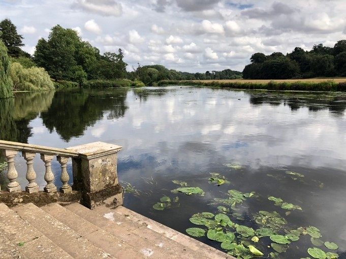 2 Stoneleigh Abbey-River Avon views