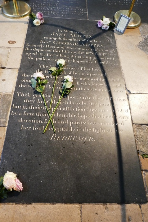 3_P1040022_grave_with_3_flowers[1]