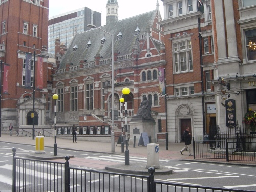 Image of Croydon Town Hall and Art Gallery, by Tony Grant
