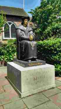 Sir Thomas Moore statue outside the Chelsea parish church, near the location of Sir Thomas's estate. Photo by Ronald Dunning.
